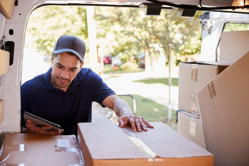 Simplify parcel delivery & courier services with telematics